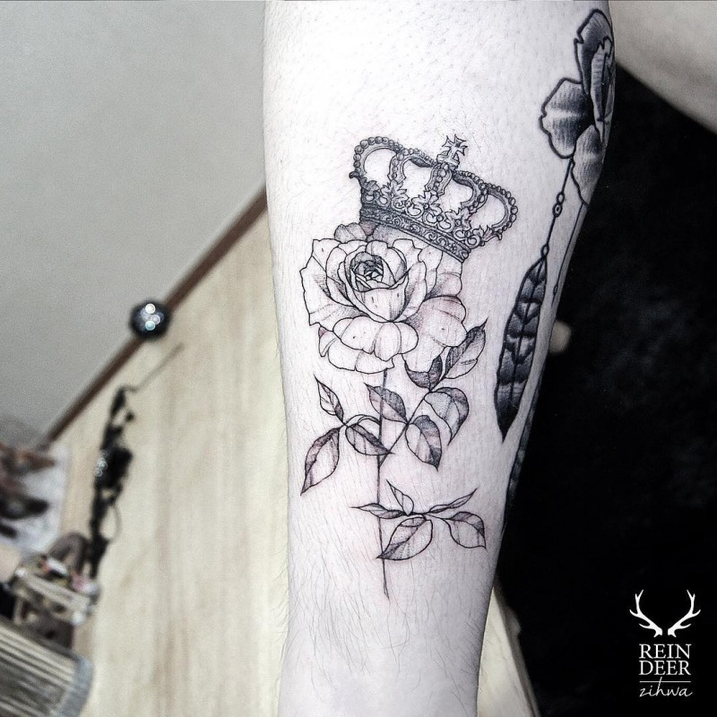 Blackwork style painted by Zihwa accurate painted leg tattoo of rose with crown