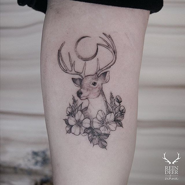Natural painted by Zihwa black ink arm tattoo of deer with flowers