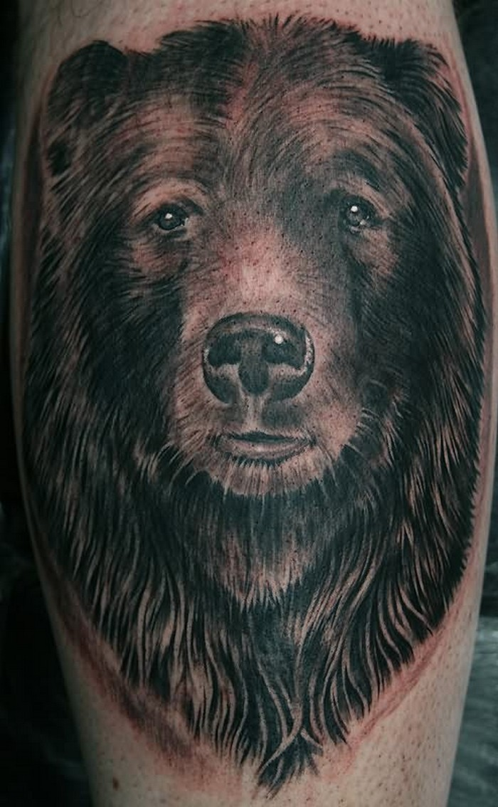 Portrait of a grizzly bear tattoo