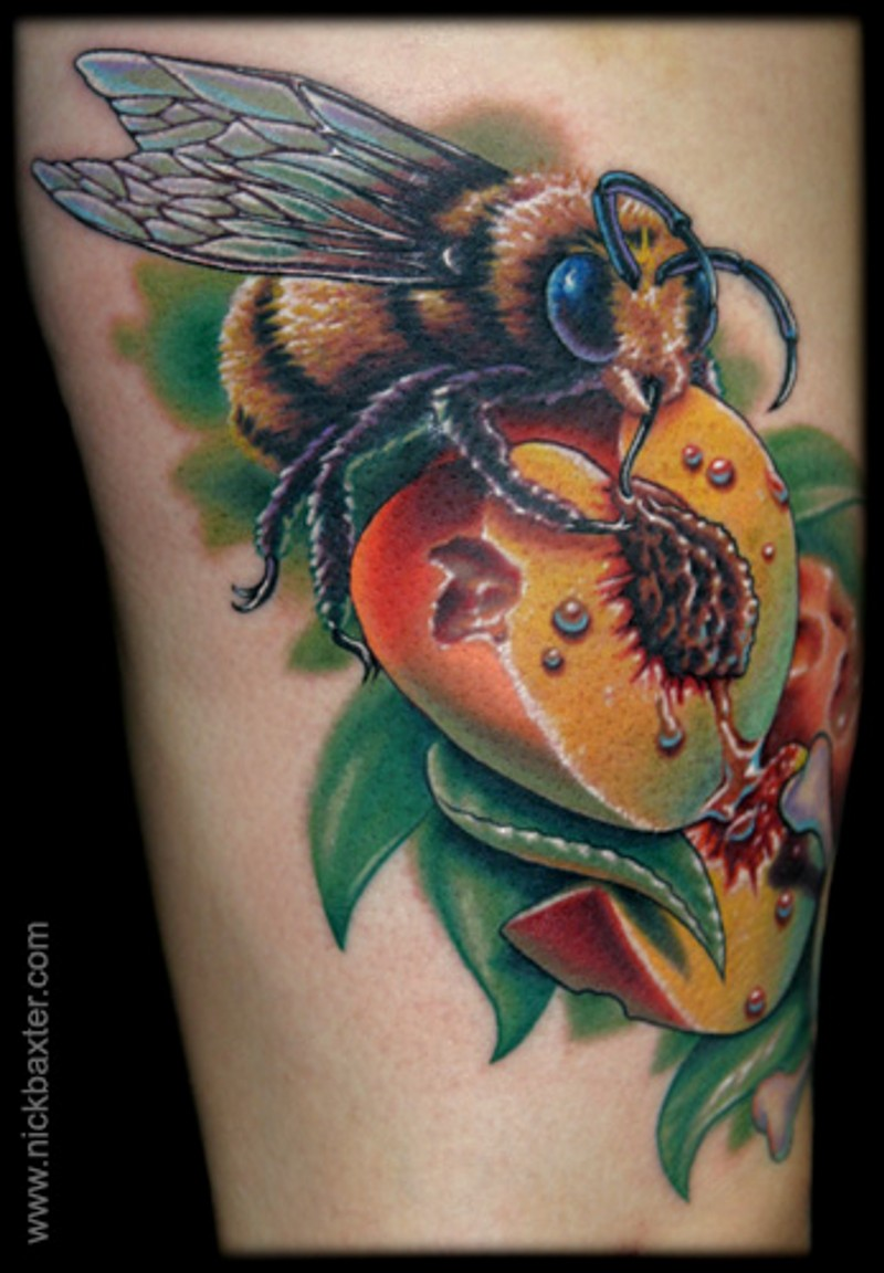 Super 3D realistic naturally colored bee sitting on juicy peach colorful tattoo