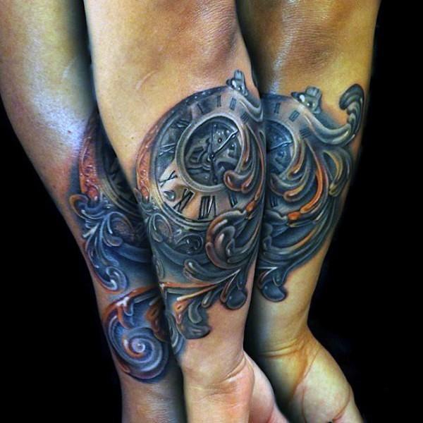 3D molto realistico colorato antico  orologio meccanico tatuaggio su braccio