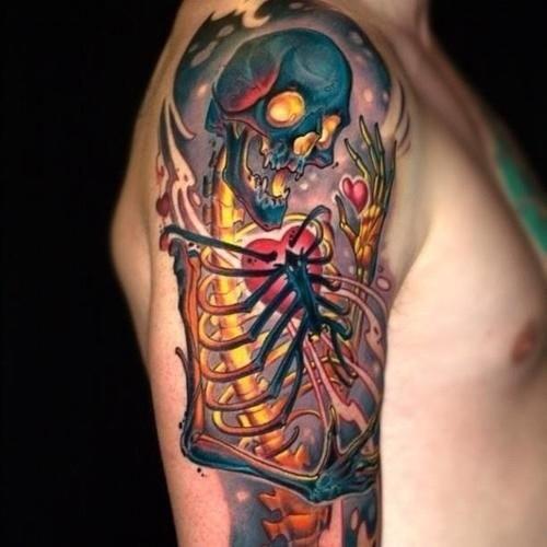 3Drealistico multicolore scheletro vivo tatuaggio su spalla