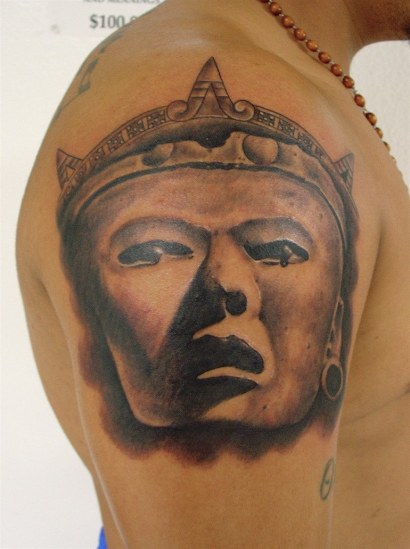 3D style colored detailed shoulder tattoo of antic Mayan statue