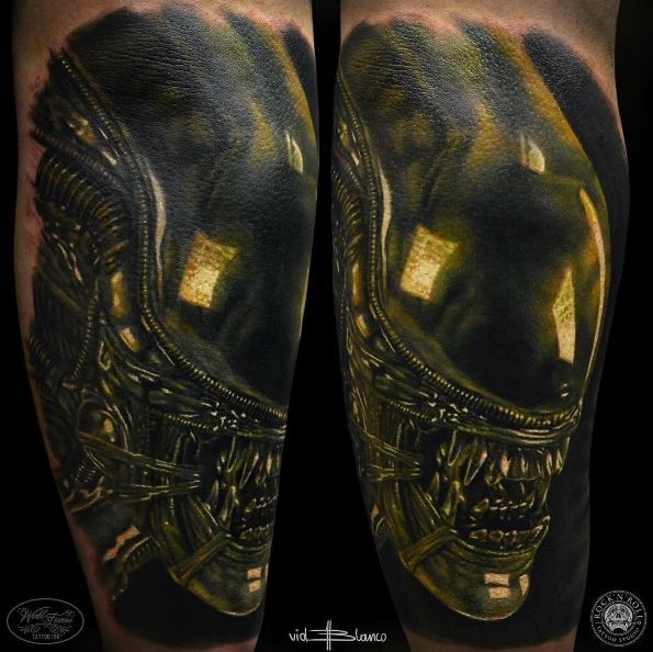 3D style very detailed arm tattoo of detailed Alien head