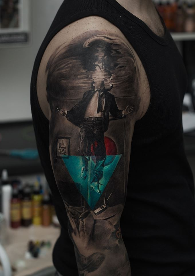 Awesome abstract art tattoo on shoulder