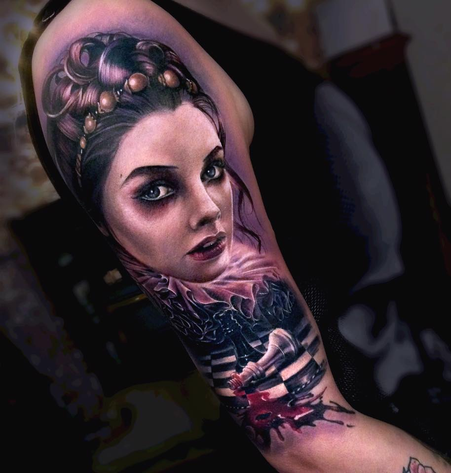Awesome realisti woman face tattoo on shoulder