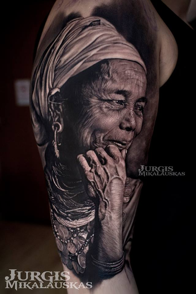 Awesome realistic old woman tattoo