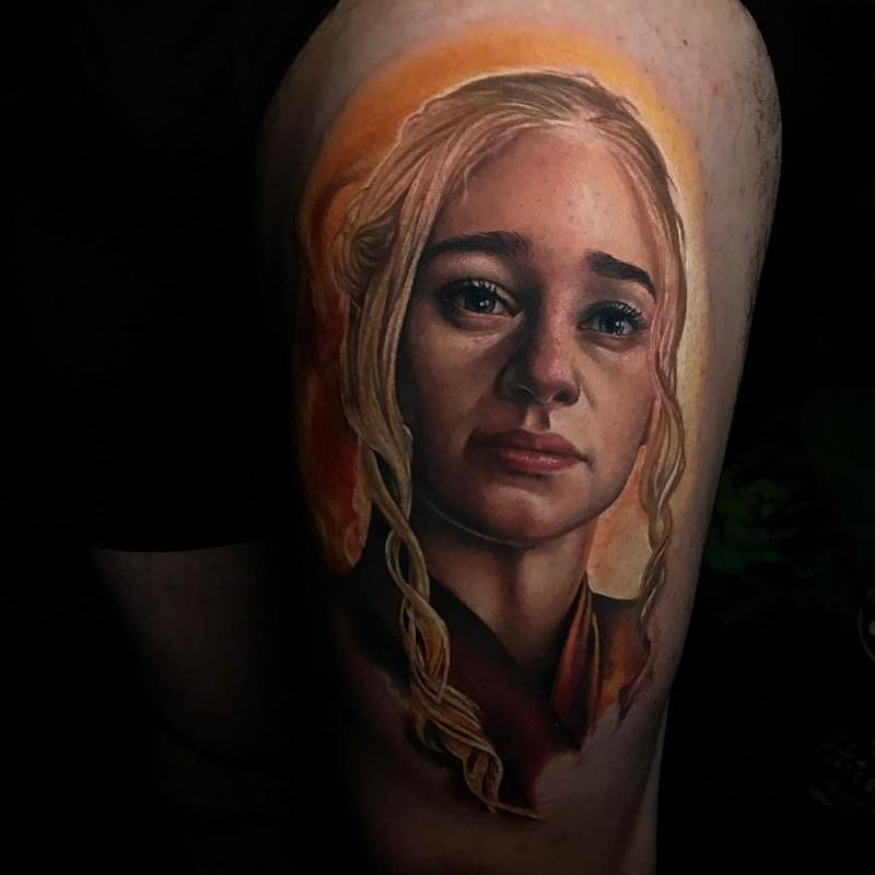 Beautiful Daenerys Targaryen tattoo on leg