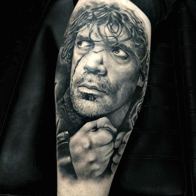 Ritratto grigio nero del tatuaggio Tyrion di Rob Richardson