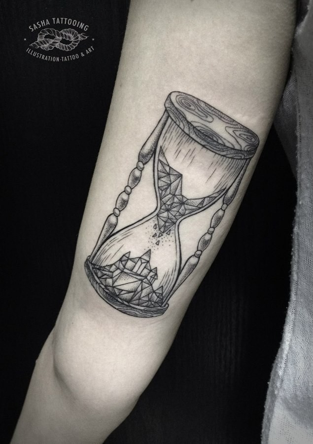 Black lines hourglass tattoo