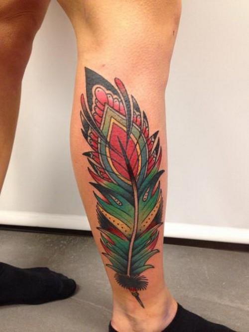 colorato nuova scuola piuma tatuaggio su gamba
