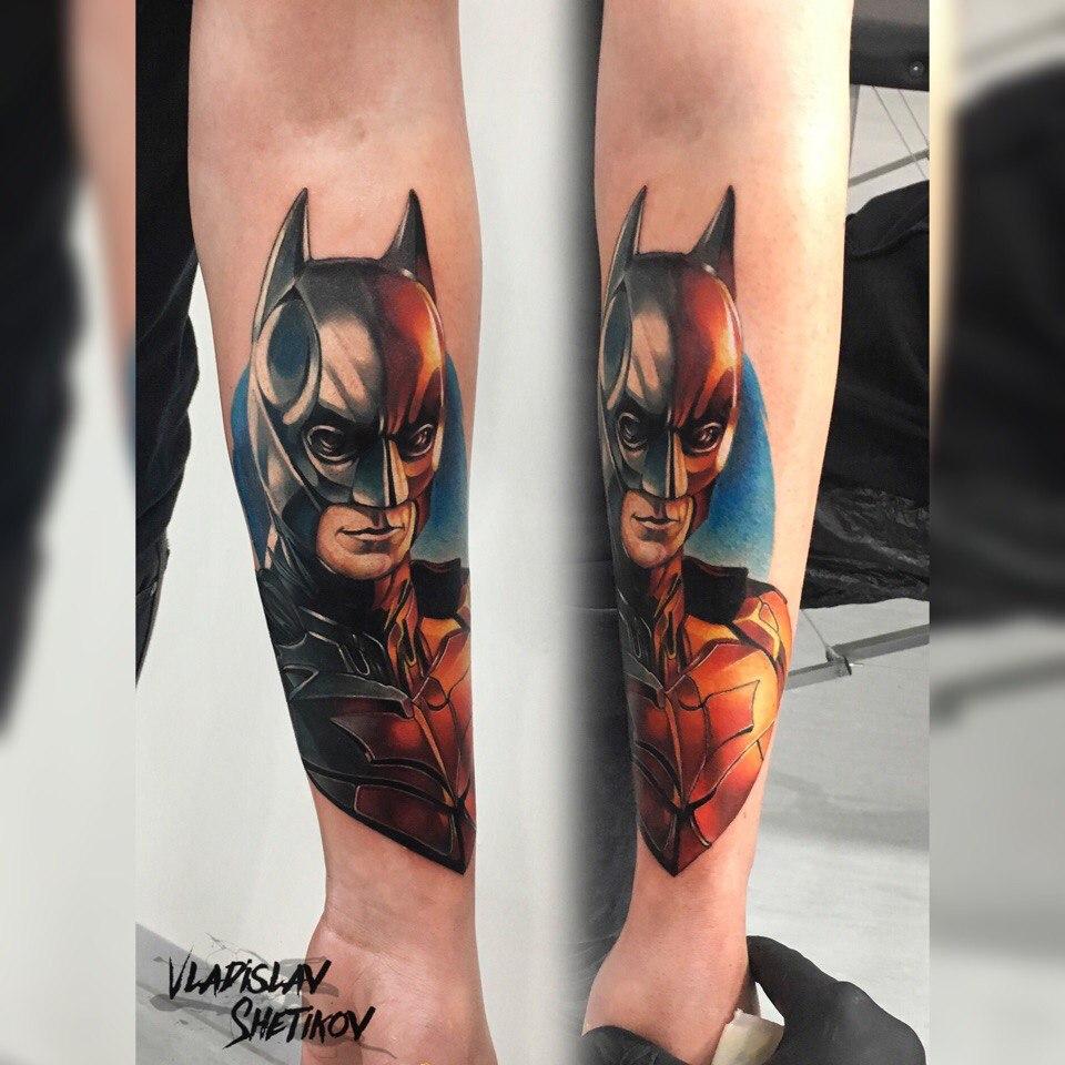 Raffreddare il tatuaggio di Batman sull&quotavambraccio