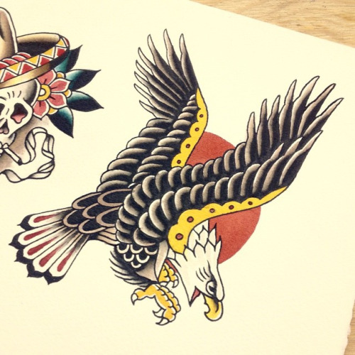 Furious old school eagle on red sun background tattoo ...