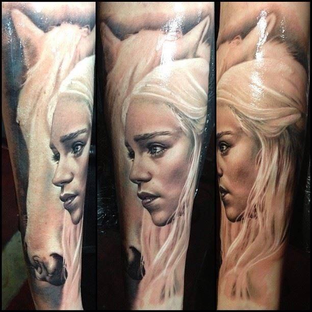 Gorgeous Daenerys with white horse tattoo