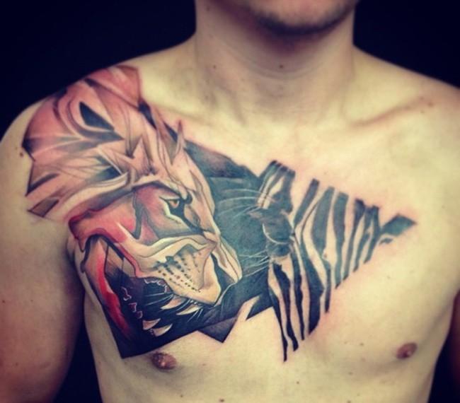 grande colorato leone e zebra tatuaggio su petto di maschio