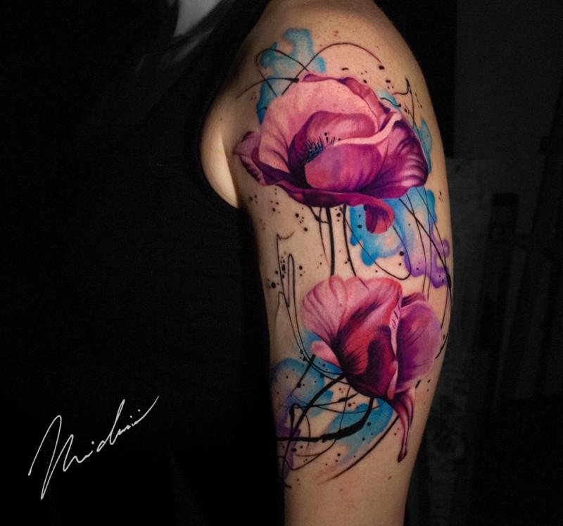 Great poppy flower tattoos on shoulder