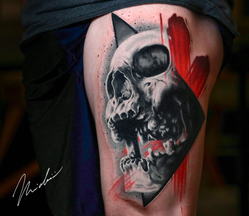 Great skull tattoo on thight