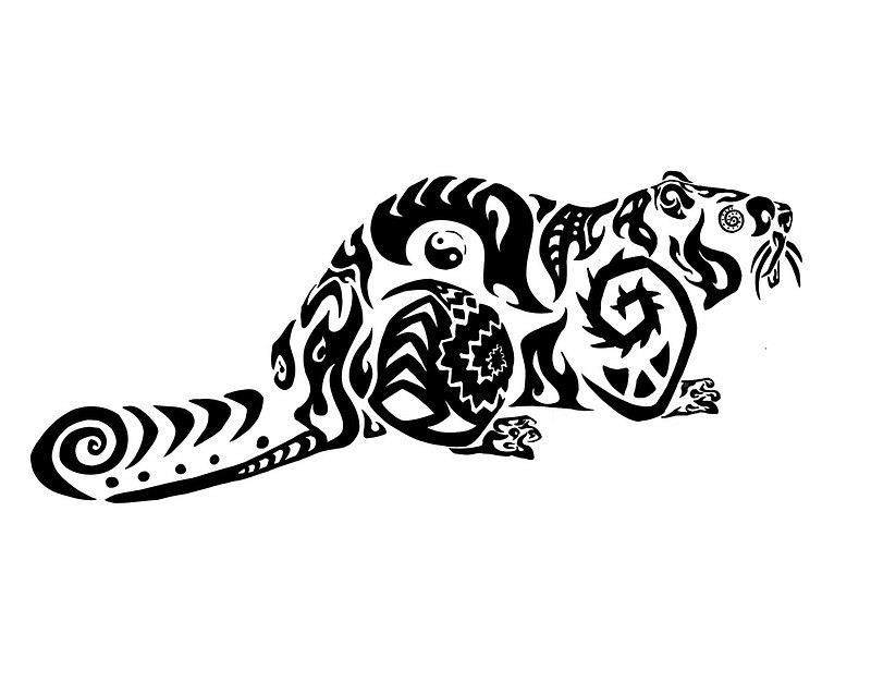 Interesting-patterned crawling rodent tattoo design
