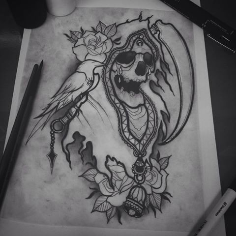 Lovely uncolored death portrait with rose buds and a raven tattoo design