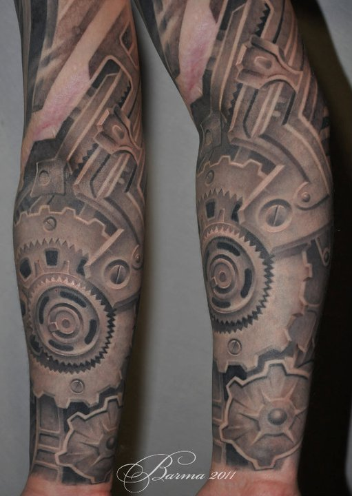 Mechnical tattoo on arm