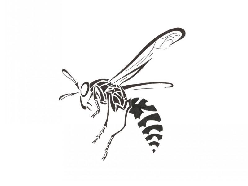 Nice tribal flying bee in profile tattoo design