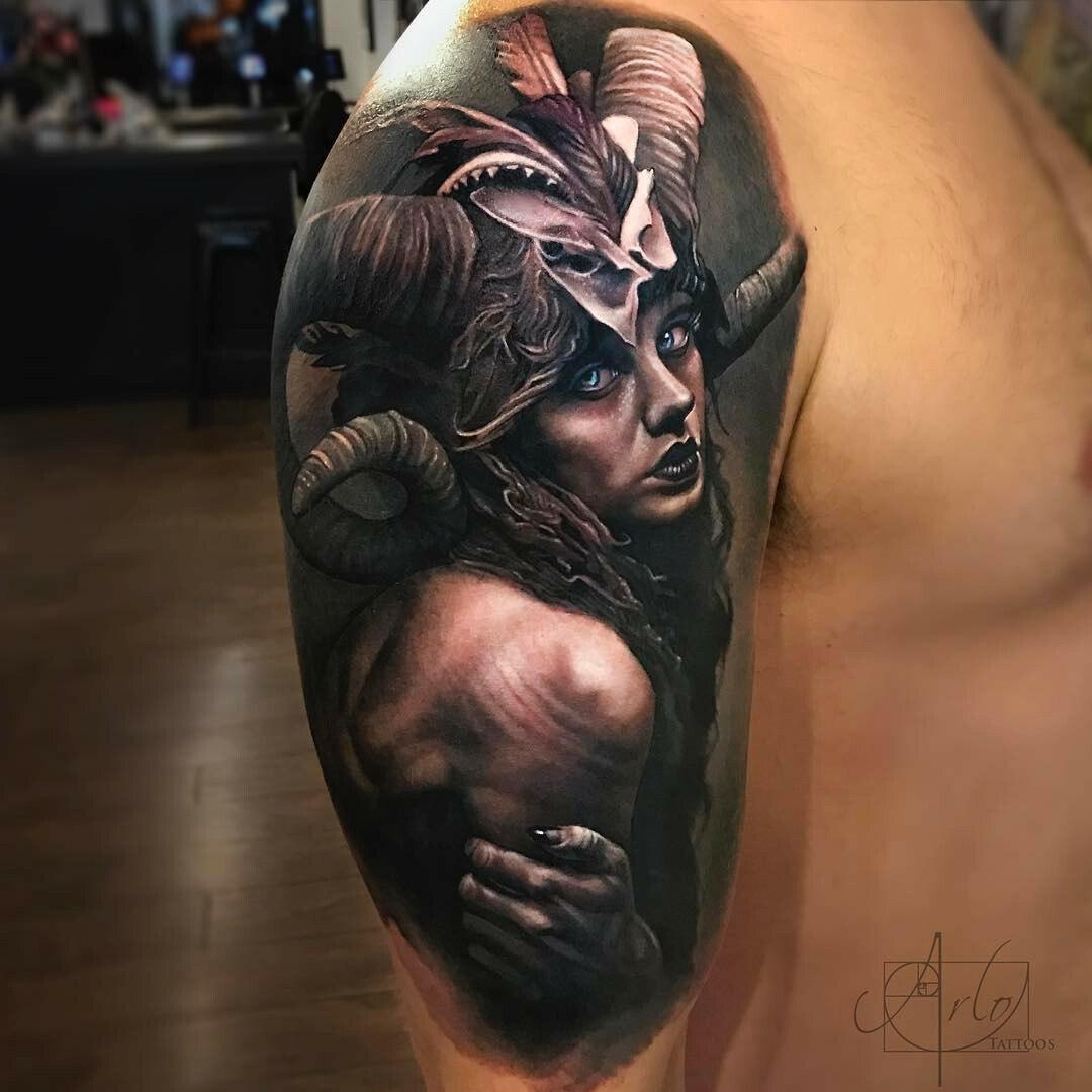 Ritratto di un tatuaggio mistico per ragazza di arlo