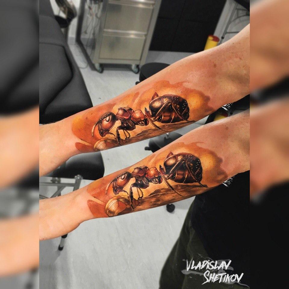 Tatuaje aint realista en el antebrazo