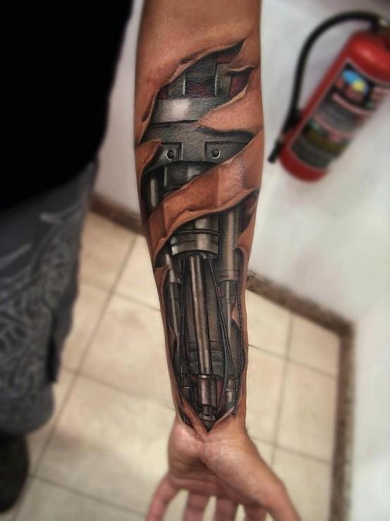 realistico detagliato robot ferro tatuaggio su braccio