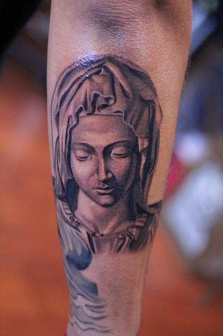 religioso classico americano michelangelo tatuaggio avambraccio