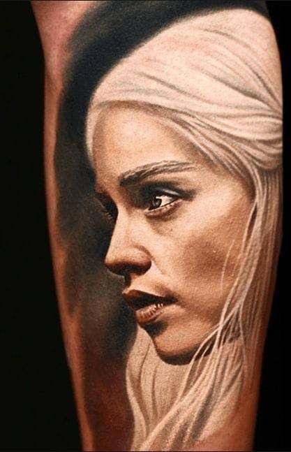 Tatuaggio Daenerys super realistico