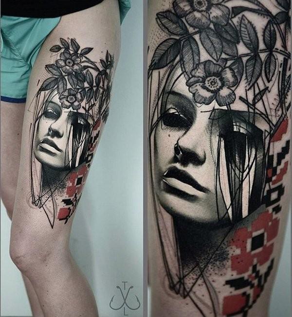 astratto stile dipinto mistico ritratto donna tatuaggio su coscia