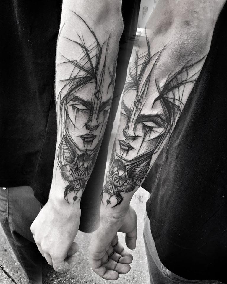 Accurato stile fantasy dipinto da Inez Janiak tatuaggio a braccio di donna demoniaca con bug