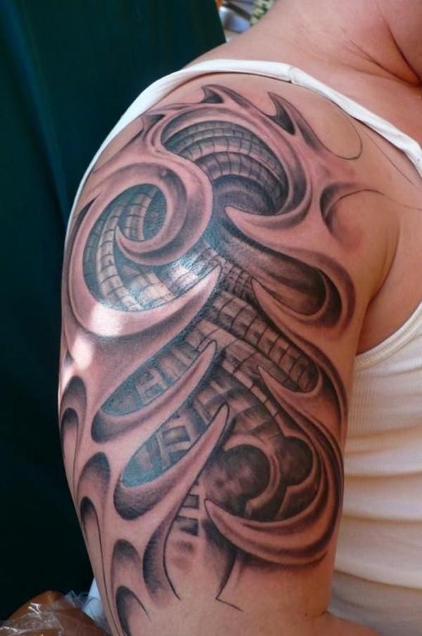 stupefacente  biomeccanica tatuaggio sulla spalla