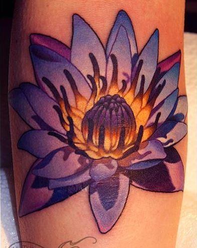 meraviglioso dettagliato fiore realistico tatuaggio