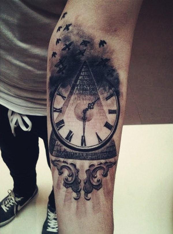 Tattoo unterarm frau uhr