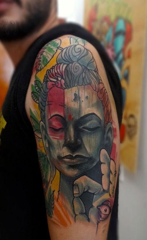 incredibile acquerello buddista tatuaggio sulla spalla