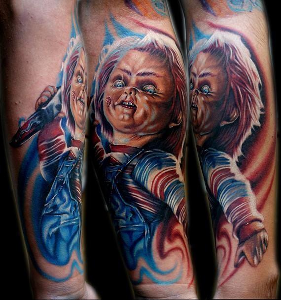 eccezionale chucky film orrore tatuaggio su braccio