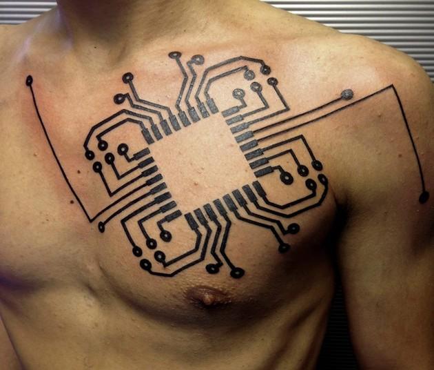 eccezionale computer circuito disadattato tatuaggio su petto