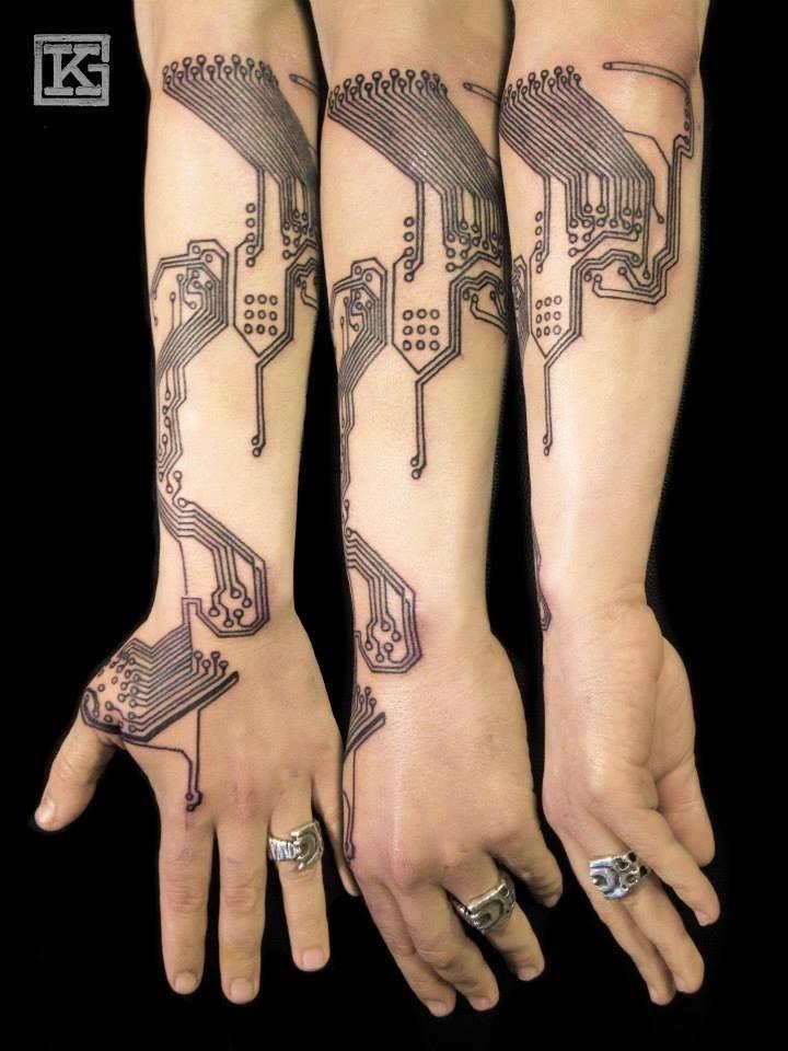 impressionante idea avambraccio tatuaggio da Meerak Meinhog