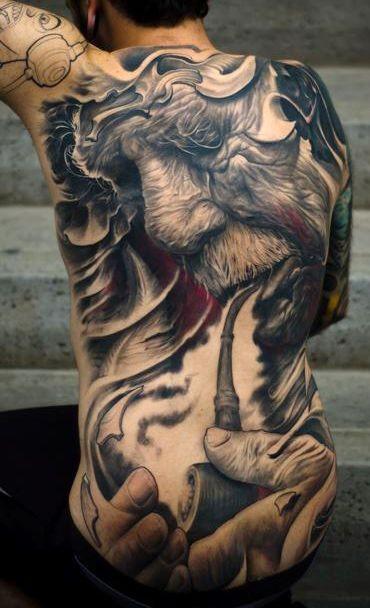 eccezionale vecchio uomo  tubo di illuminazione tatuaggio pieno di schiena