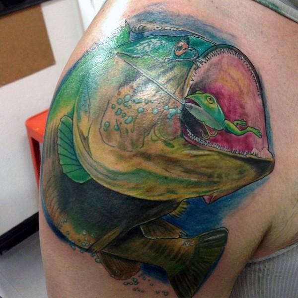 eccezionale dipinto massiccio pesce mostro colorato tatuaggio subraccio