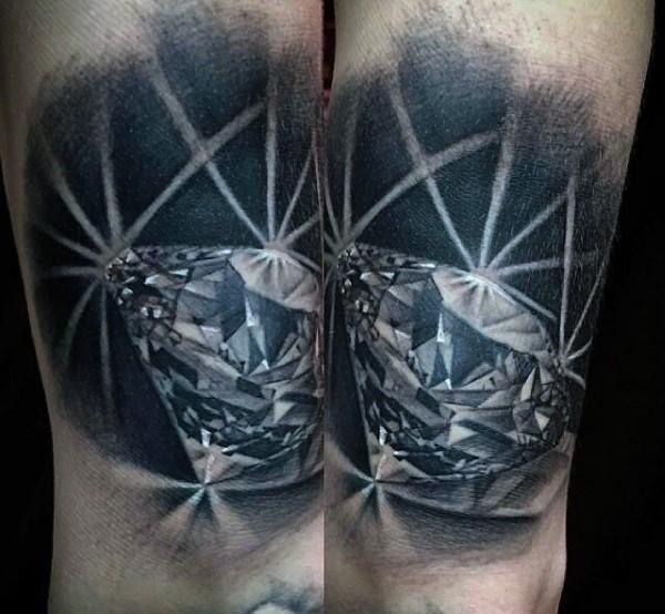 Tatuaje en la pierna, diamante brillante costoso 3D