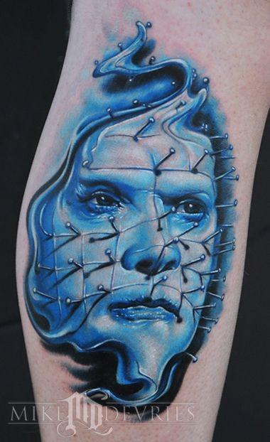 ecezzionale realistico film orrore eroe tattuaggio su gamba