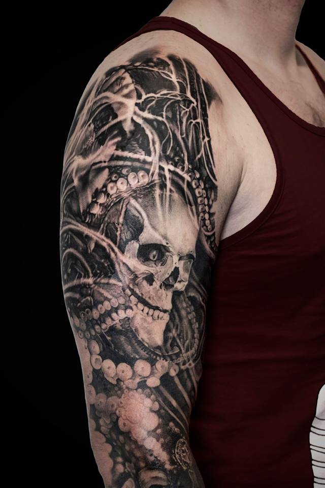 Awesome skull and tentacles tattoo on shoulder