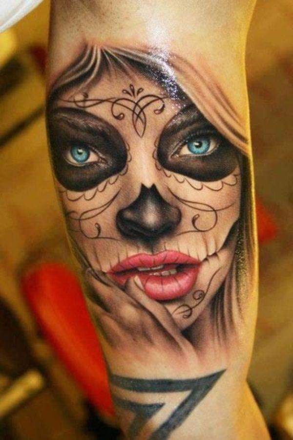 bellissima ragazza giorno di morte con occhi blu tatuaggio