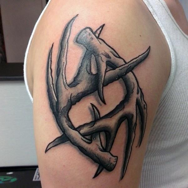 Beautiful looking illustrative style shoulder tattoo of deer horns