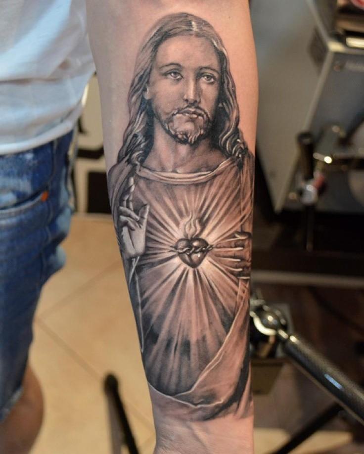 """bellissimo ritratto di gesu"""" tatuaggio avambraccio"""