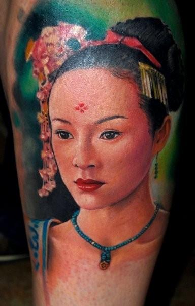 bellissimo acquerello realistico geisha tatuaggio