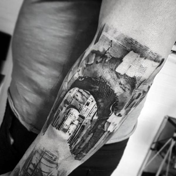 grande nero e bianco foto realistico inchiostro nero  antica citta tatuaggio su braccio