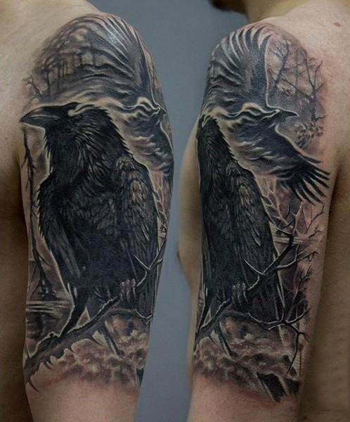 grande inchiostro nero corvo mistico tatuaggio a mezza manica